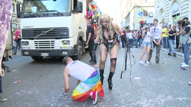 ms view of practicing bdsm scene from transgender audio / rome lazio italy - sado maso stock-videos und b-roll-filmmaterial