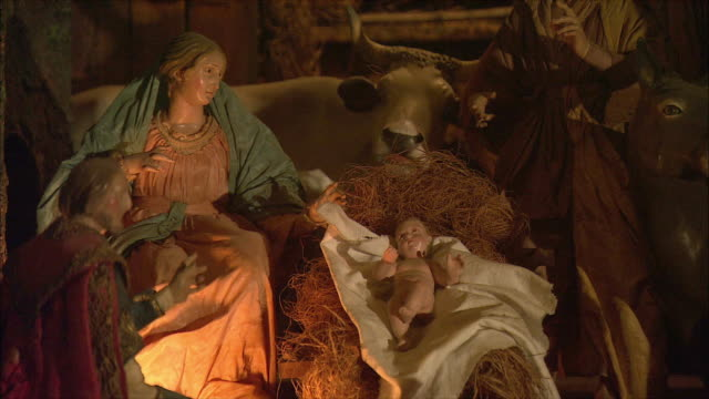 ms view of presepi (italian nativity/manger scenes) / rome, italy - キリスト降誕点の映像素材/bロール