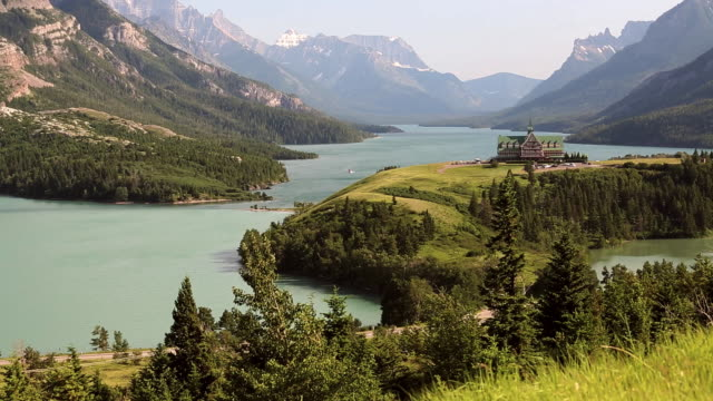 ws view of prince of wales hotel waterton lakes national park alberta / canada - prince of wales stock videos & royalty-free footage