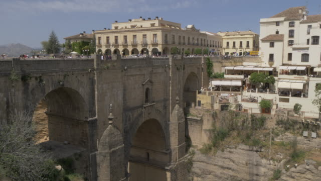 view of puente nuevo and el tajo gorge from south ronda, ronda, andalucia, spain, europe - puente video stock e b–roll