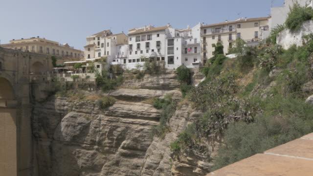 stockvideo's en b-roll-footage met view of puente nuevo and el tajo gorge, ronda, andalucia, spain, europe - puente