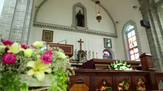 vídeos y material grabado en eventos de stock de view of pulpit in gongseri catholic church(travel destinations) - cristianismo