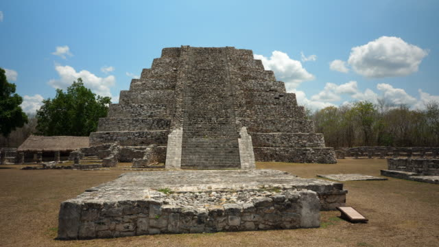 ms view of pyramid in ancient mayapan ruins - old ruin stock videos & royalty-free footage