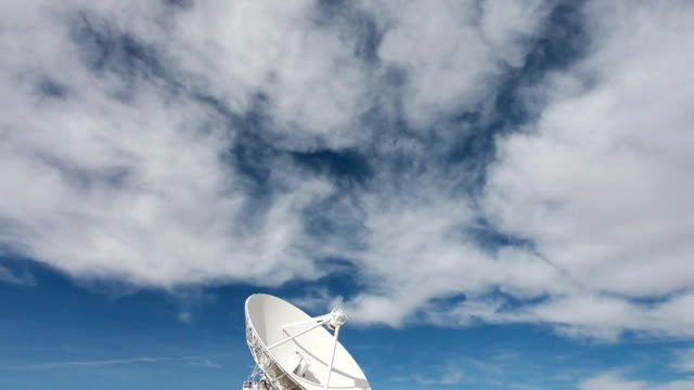 ws td view of radio telescopes in desert / lamy, new mexico, usa - lamy new mexico stock videos & royalty-free footage