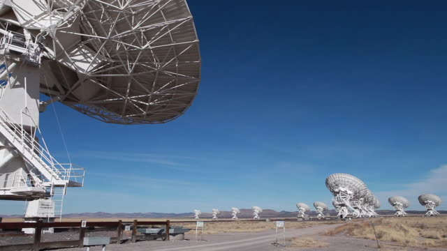 ws pan view of radio telescopes in desert / lamy, new mexico, usa - group of objects stock videos & royalty-free footage