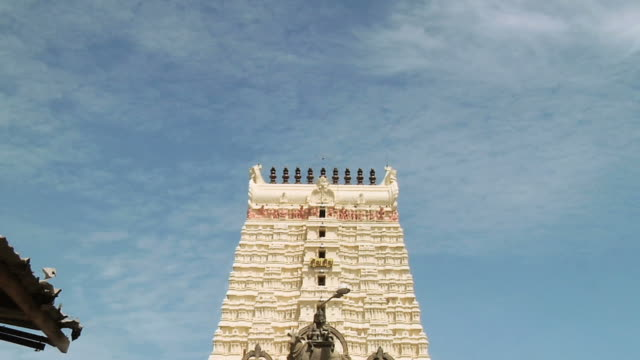 ws zo view of ramanathaswamy temple / rameswaram, tamil nadu, india - animal representation stock videos & royalty-free footage