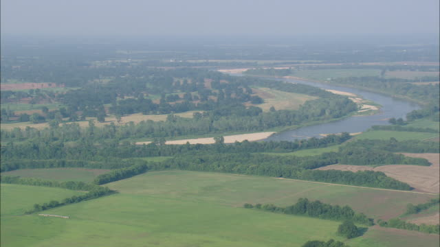 ws aerial view of red river / texas, united states - fluss red river stock-videos und b-roll-filmmaterial