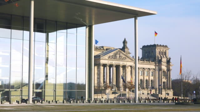 ws view of reichstag building / berlin, germany - the reichstag stock videos & royalty-free footage
