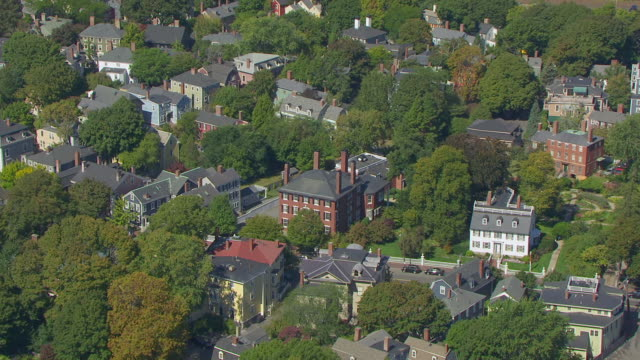 ws aerial pov view of residential district mansion house with first church at mcintyre historic district / salem, massachusetts, united states - salem stock videos & royalty-free footage