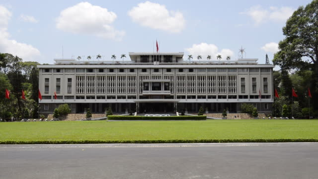 ws view of reunification palace / ho chi minh, vietnam - palace stock videos & royalty-free footage