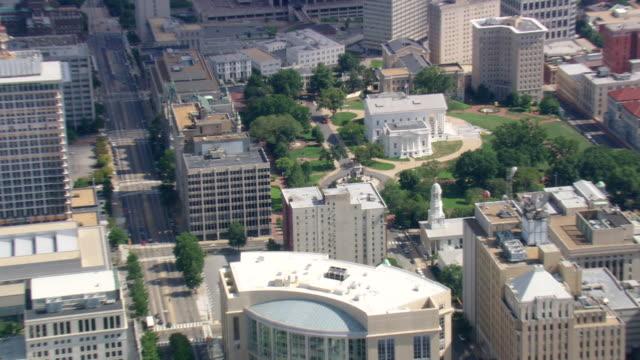 vídeos y material grabado en eventos de stock de ws aerial zi view of richmond / virginia, united states - richmond