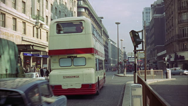 stockvideo's en b-roll-footage met ms view of road in bus and car - commercieel landvoertuig