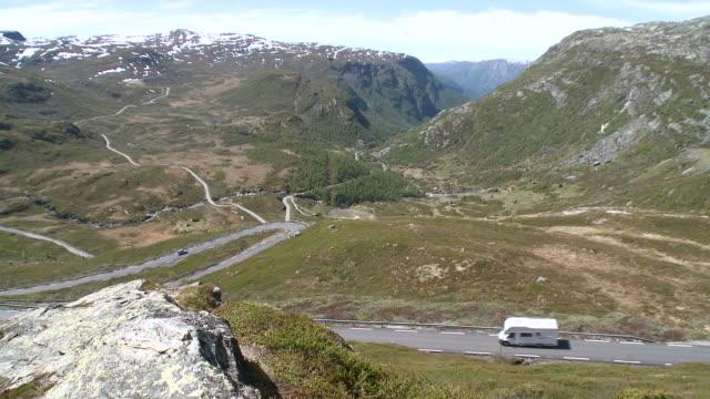 WS View of road through Sognefjellsvegen mountain / Jotunheimen Nationalpark, Sogn og Fjordane, Norway