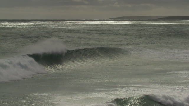 ws slo mo view of rolling wave in ocean / elephant beach, falkland islands, falkland islands - falkland islands stock videos and b-roll footage