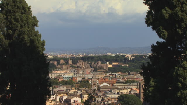 ws, td, view of rome, italy - schwenk nach unten stock-videos und b-roll-filmmaterial