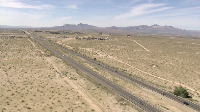 vidéos et rushes de ws aerial view of route 15 near san bernardino and old route 66 / california, united states - route 66