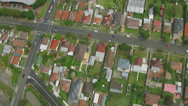 ws aerial view of row houses / sydney, new south wales, australia - terraced house stock videos & royalty-free footage