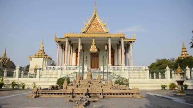 ws view of royal palace / phnom penh, cambodia - phnom penh stock videos and b-roll footage