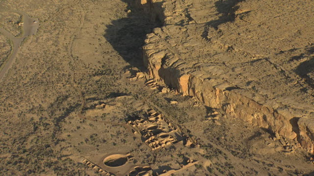 ws aerial view of ruins at chaco canyon national historical park / new mexico, united states - chaco canyon stock videos & royalty-free footage