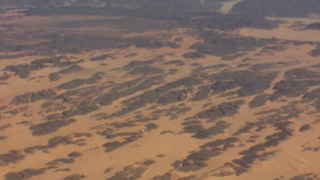 ws zo view of sahara desert / atar, adrar, mauritania - mauritania stock videos & royalty-free footage