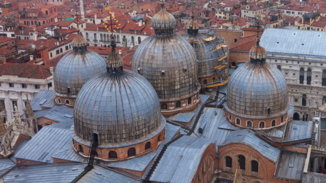 view of saint mark's basilica - basilica video stock e b–roll