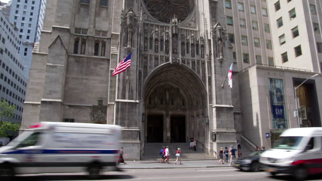 WS TD View of Saint Thomas Church in Manhattan / New York, United States