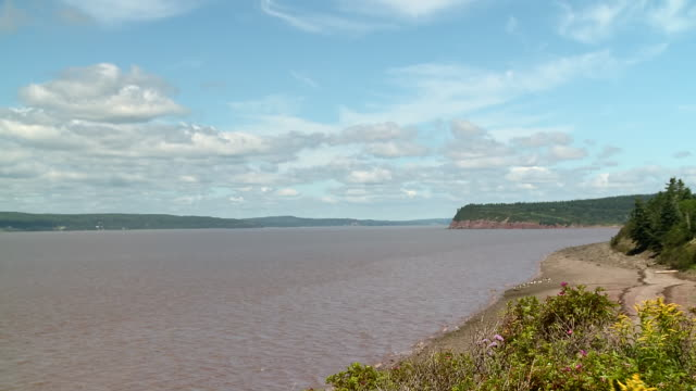 WS TD View of Salmon point New Brunswick at high tide / Dorchester, New Brunswick, Canada
