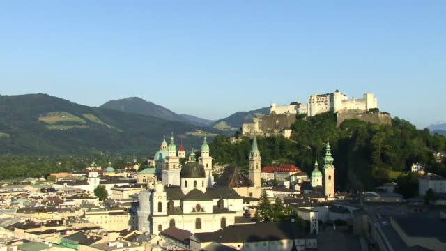 HA, WS, View of Salzburg with Festung Hohensalzburg (Salzburg Fortress) in distance, Austria