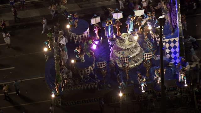 ms aerial view of sambadrome marques de sapucai carnival / rio de janeiro, brazil - フロート車点の映像素材/bロール