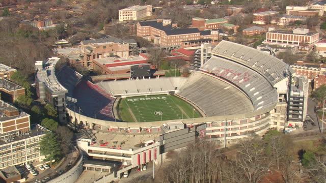 ws aerial view of sanford stadium / georgia, united states - ジョージア州点の映像素材/bロール