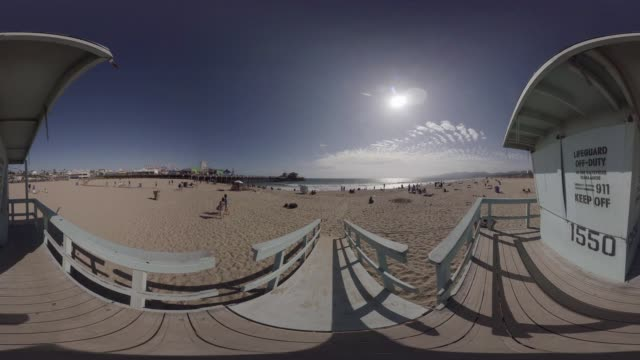 VR view of Santa Monica Pier