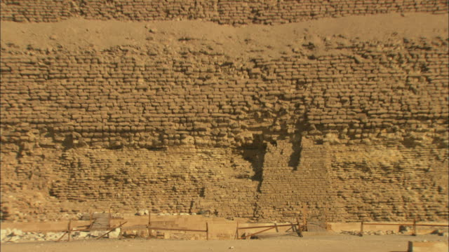 ms zo view of saqqara pyramid in desert / giza, egypt - saqqara stock videos and b-roll footage