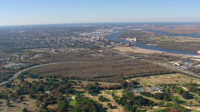 WS AERIAL View of Savannah and Historic District / Georgia, United States
