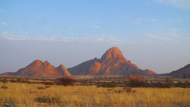 WS View of Savannah landscape with mountains in back side / Etosha National Park, Namibia