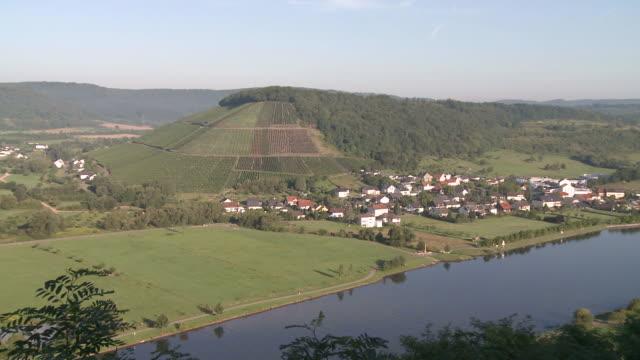 ws zi view of schoden, biebelhausen and saarburg country near river saar / schoden, saar-valley, rhineland-palatinate, germany - saarburg stock-videos und b-roll-filmmaterial