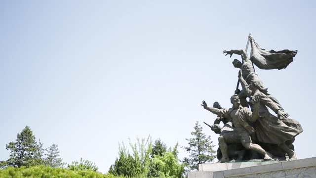 view of sculpture at seoul national cemetery - weibliche figur stock-videos und b-roll-filmmaterial