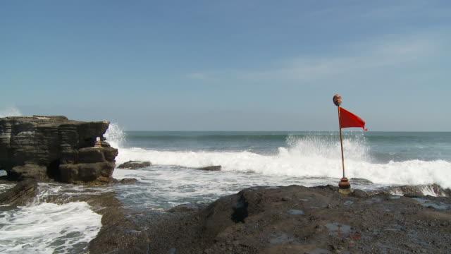 view of seashore in bali, indonesia - プラタナロット点の映像素材/bロール