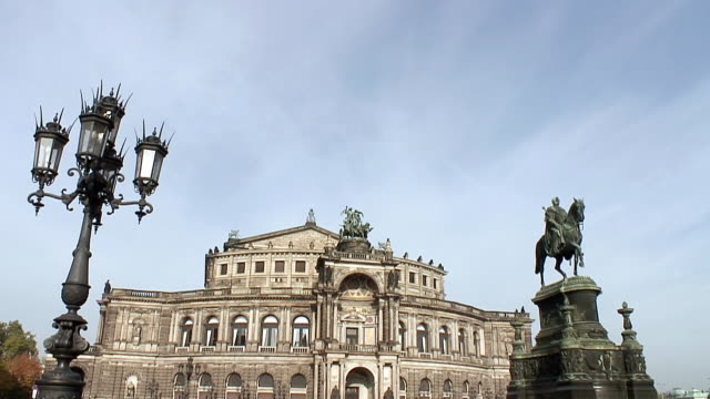 WS View of Semperoper / Dresden, Saxony, Germany