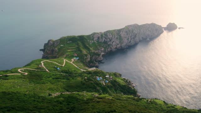 view of seomdung-bando peninsula in gageodo island / sinan-gun, jeollanam-do, south korea - bergsvägg bildbanksvideor och videomaterial från bakom kulisserna