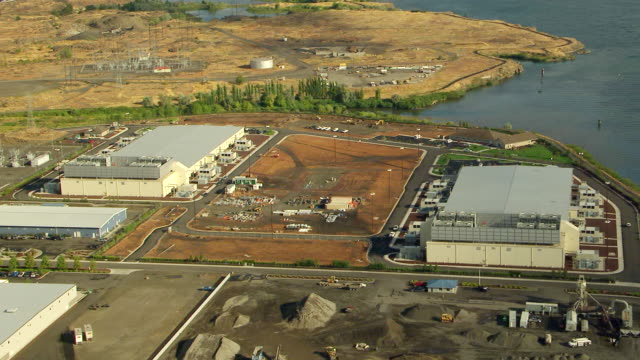 ws aerial view of server farm with columbia river / oregon, united states - cloud computing stock videos & royalty-free footage