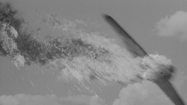 stockvideo's en b-roll-footage met ms ts view of several planes in flight, multiple planes explode and go down in flames - luchtvaartuig
