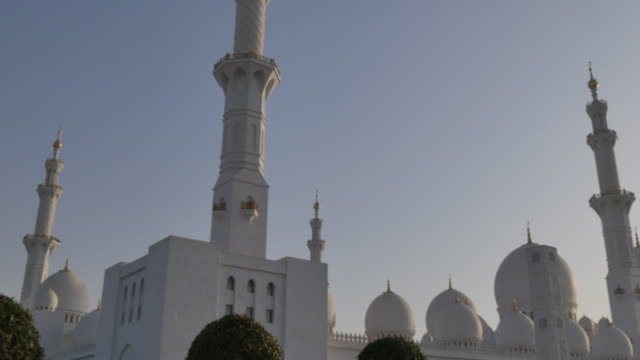 view of sheikh zayed grand mosque, abu dhabi, united arab emirates, middle east, asia - grand mosque stock videos and b-roll footage