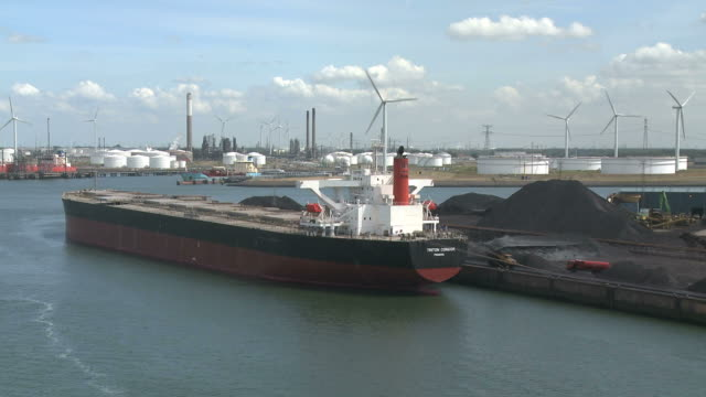 ws view of ship at harbour / rotterdam, southholland, netherlands - schiffsfracht stock-videos und b-roll-filmmaterial