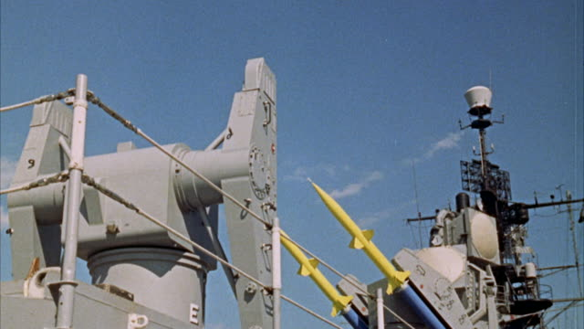 vidéos et rushes de ms tu view of ship's antenna for missile launching - missile