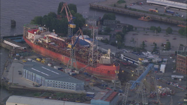 aeria ms view of shipyard / hamburg, hamburg, germany - shipyard stock videos & royalty-free footage