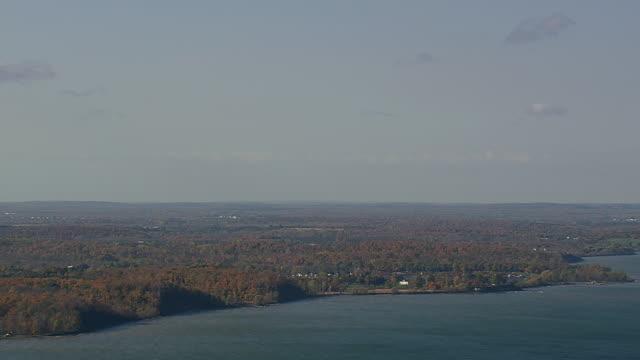 ws aerial zi view of shoreline of lake ontario / new york, united states - lake ontario bildbanksvideor och videomaterial från bakom kulisserna
