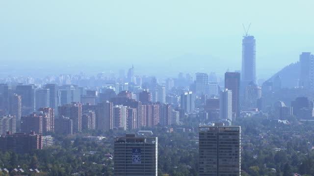 stockvideo's en b-roll-footage met view of skyline - chile