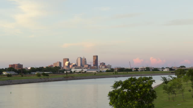 ws t/l  view of skyling from oklahoma river  / oklahoma city, ok, united states - oklahoma stock-videos und b-roll-filmmaterial