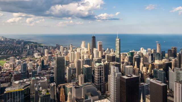 vídeos de stock e filmes b-roll de t/l ws ha zo view of skyscrapers in chicago / chicago, usa - chicago 'l'