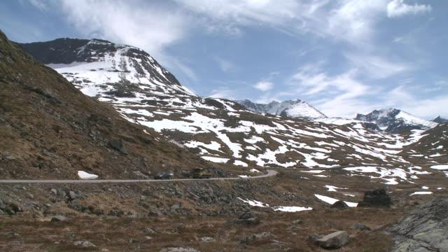 WS PAN View of snow on Sognefjellsvegen mountain / Jotunheimen Nationalpark, Sogn og Fjordane, Norway